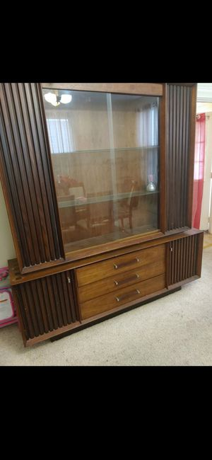 2 piece China cabinet for Sale in Monroeville, PA