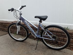 KENT MOUNTAIN BIKE 21 SPEED 24 INCH WHEELS READY FOR RIDING for Sale in Baldwin, NY