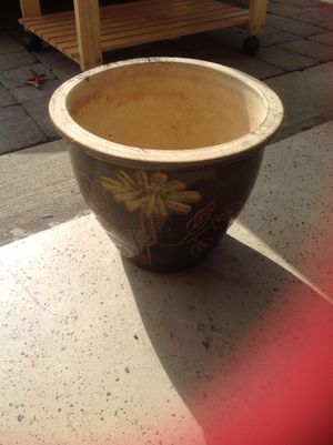 Two outdoor items. Hedger and flower pot for Sale in West Chester, PA