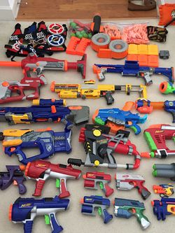 Nerf Gun Lot (20+ Guns And Ammo/accessories) for Sale in Sterling,  VA