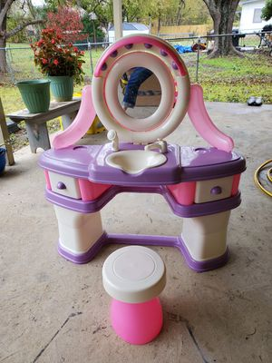 Kids vanity hair style station with stool for Sale in Cedar Hill, TX