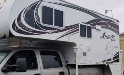 Arctic Fox Camper for Sale in Woodburn,  OR