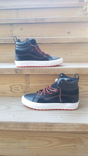 Vans MTE Boot 2.0 DX size 10.5 for Sale in Chicago, IL