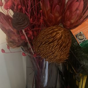 Dry Flower Arrangement for Sale in Bell Gardens, CA