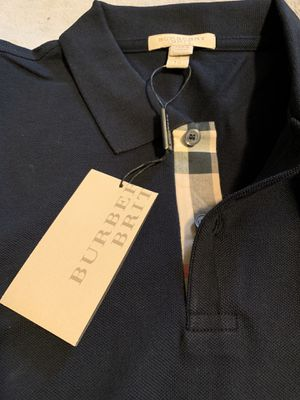 BURBERRY XL for Sale in Richmond, CA