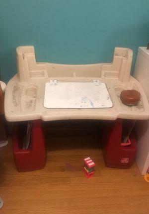 Kids Desk for Sale in Lake View Terrace, CA