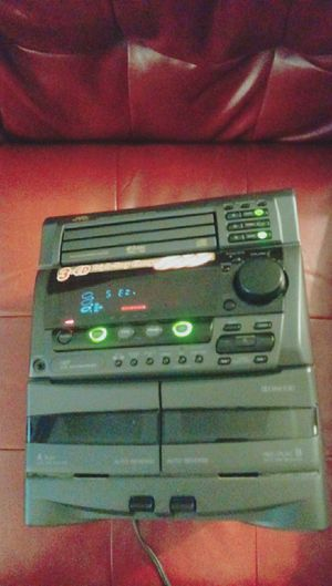 Stereo System(no speakers) for Sale in Chicago, IL