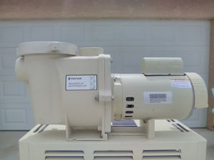 Pentair whisperflo Pool Pump 2 HP (Installation Included) for Sale in Fontana, CA