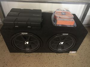 2 12 Kicker comps in box with pioneer amp and wires for Sale in Chicago, IL