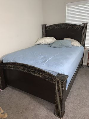 Queen headboard and frame for Sale in Forest Park, GA