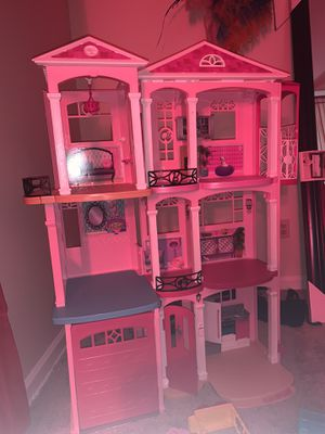 Barbie Dream House with extra things included for Sale in Lithonia, GA
