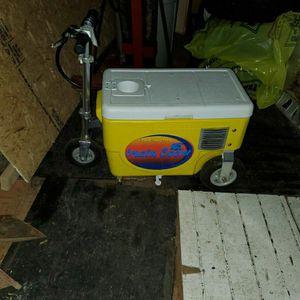 Cruzin Motorized Cooler With Trailer for Sale in Lynnwood, WA