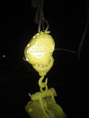 1/2 ton electric hoist. Maxwell for Sale in Meridian, MS
