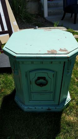 End table for Sale in Nephi,  UT