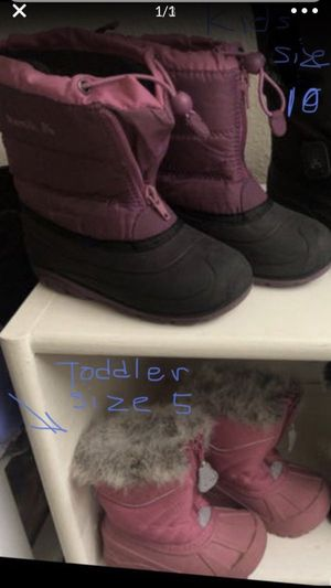$15 snow boots for girls.... I also sell brand new gloves for Sale in Los Angeles, CA