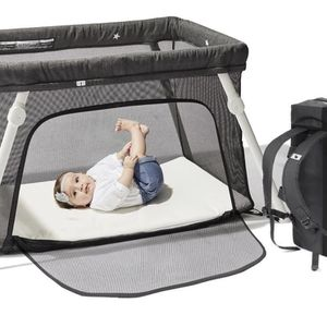 Guava Family Lotus Travel Crib for Sale in Los Angeles, CA