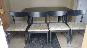 Kitchen table and 4 chairs for Sale in Del City, OK