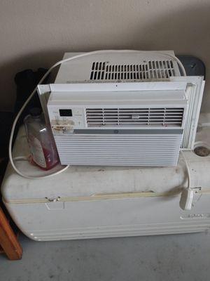 Window AC unit 8000 BTU for Sale in Jacksonville, FL
