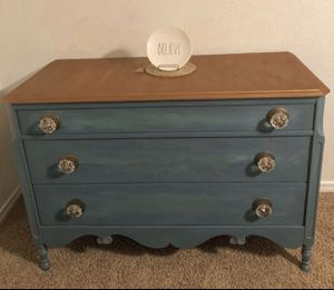 Tv Console, Coffee Bar, Dresser or Entryway Table for Sale in Abilene, TX