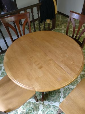 Kitchen/Dining Table and 6 Chairs for Sale in Lancaster, NY