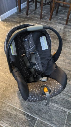 Chicco car seat with two bases. One for both parents! for Sale in Port Richey, FL
