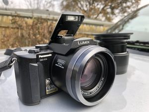 Panasonic Lumix DMC-FZ10K 4MP Digital Camera with 12x Optical Zoom (Black) for Sale in Decatur, IL