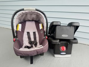 Infant Car Seat for Sale in East Cleveland, OH