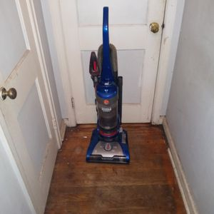 """""""LIKE NEW HOOVER WIND TUNNEL 2 VACUUM, WITH RETRACTABLE CHORD"""" for Sale in Decatur, GA"""