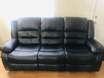 Three seater reclining sofa for Sale in St. Louis,  MO