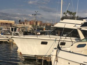 1982 Carver 32'' for Sale in Brooklyn, NY