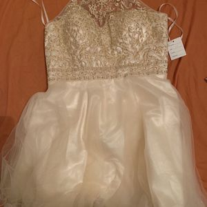 Beautiful Dress Size 14 for Sale in Orlando, FL