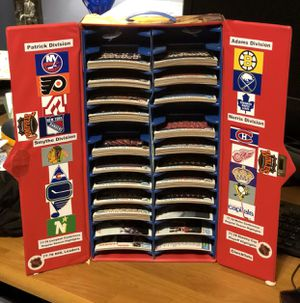 1978-1979 Topps Complete Hockey Card set with Vintage Sports Card Locker. Unique Christmas Gift for Sale in Burlington, NJ