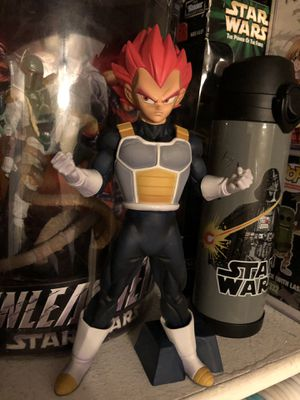 Dragon ball Z Vegeta Statue for Sale in Austin, TX