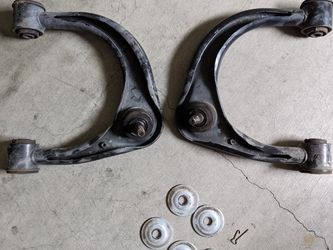 2008 LEXUS GX470 AWD FRONT UPPER CONTROL ARM OEM for Sale in Los Angeles,  CA