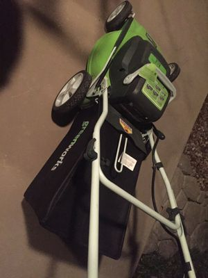 Brand new e mower no gas to store in your shed or garage to go bad and not start flip a switch don't pull your shoulder out of socket shears off gras for Sale in Henderson, NV