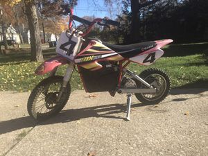 Razor Dirt Rocket Electric Bike MX500 15128190 for Sale in Cleveland, OH