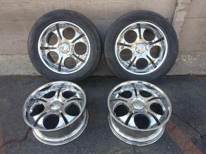 Chevy or GMC 20 inch chrome wheels 6 lugs for Sale in Montebello, CA