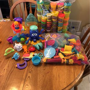 Play-Doh With Tons Of Accessories for Sale in San Jose, CA