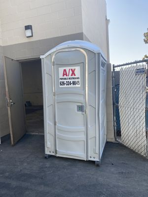 Portable restrooms for Sale in Glendale, CA
