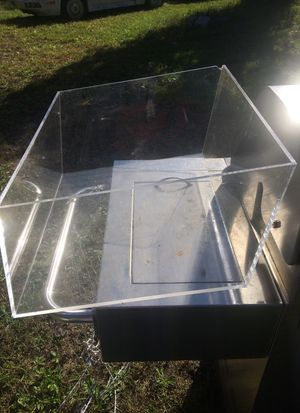 Plastic display piece for Sale in Knoxville, TN
