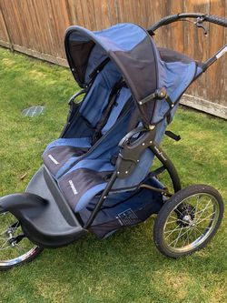 Baby Trend Expedition Double Jogging Stroller for Sale in Fort Lewis,  WA