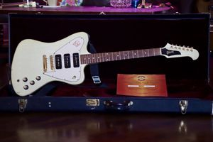 Gibson Custom Shop Firebird Non Reverse 2003 TV White for Sale in Los Angeles, CA