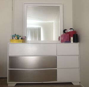 Awesome Dresser With Detachable Mirror!!! for Sale in Los Angeles, CA