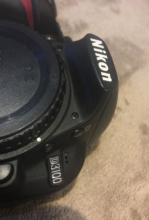 Nikon D3100 DSLR Digital Camera body w/ battery & charger Shutter count 2121 for Sale in Everett, WA