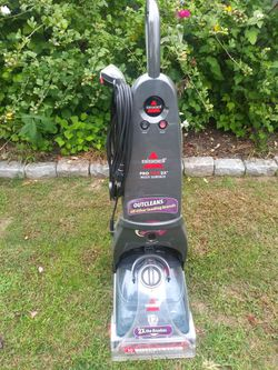 Bissell. Shampooer like new for Sale in Bensalem,  PA