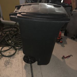 Garbage Can for Sale in Lake Worth, FL