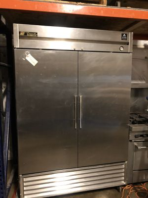 Used double door bottom mount Commercial true refrigerator cooler for Sale in Renton, WA