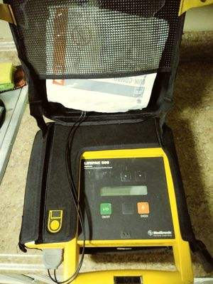 Defibrillator. Medtronic phisio control (lifepak for Sale in Houston, TX