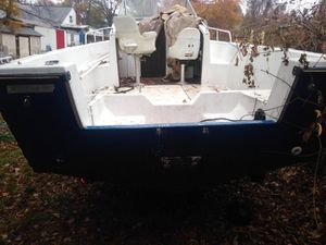 GraDy white año 1977 de 22 pie for Sale in Hyattsville, MD