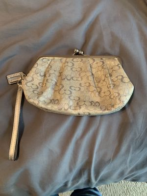 Coach wristlet purse for Sale in El Cajon, CA